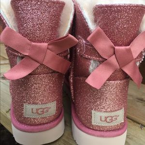 UGG Mini Bailey Bow woman sz 9 Glitter PINK